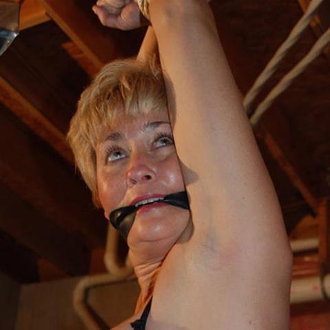 Regel een ontmoeting met deze 62-jarige vrouw